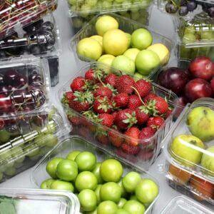 Пластикові лотки для ягід і фруктів – ваш помічник
